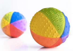 Natural rubber ball